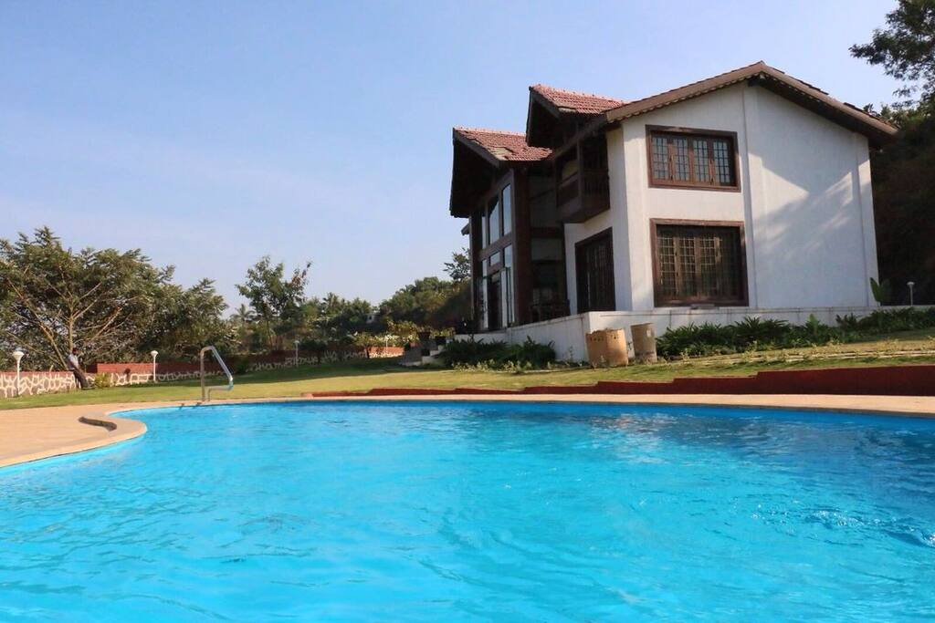 Luxurious Villa With Private Pool Lonavala Villas For Rent In Lonavala Maharashtra India