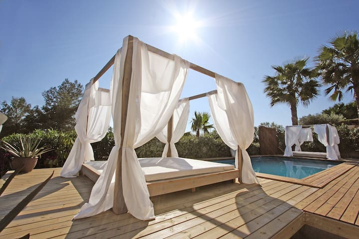 Gorgeous villa @ perfect location - Cap Martinet - Villa