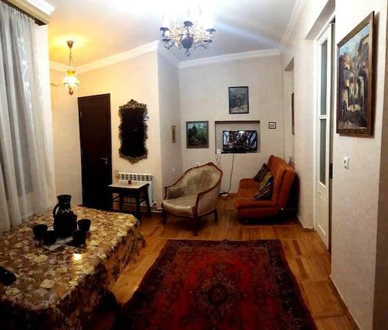 Old Town Specious Apartment in Iconic Building!