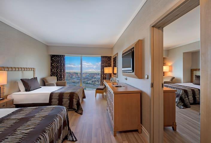 Dort Kisilik Oda - Grand Hotel Konya