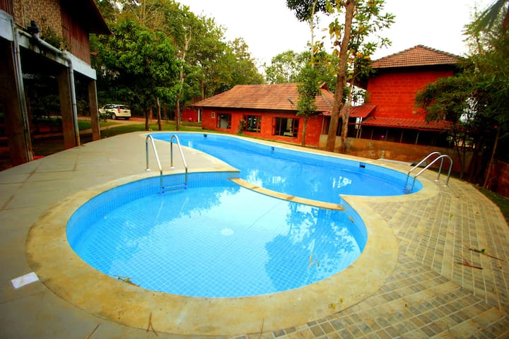 Comfortable Stay With Swimming Pool In Wayanad