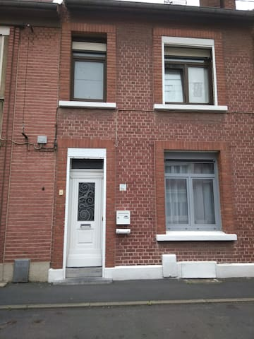 2 chambres privées, 3 couchages.