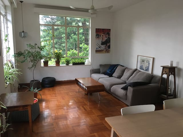 Quiet & spacious appt in Stanley with Rooftop - Hong Kong - Apartamento