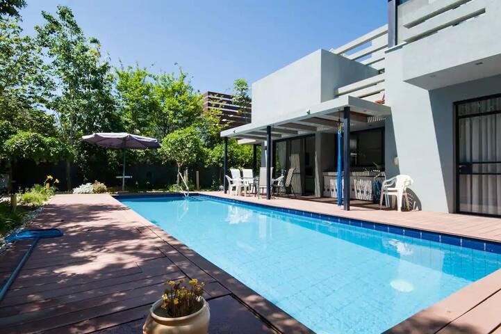 Fresh Breeze Villa in the Coast Line