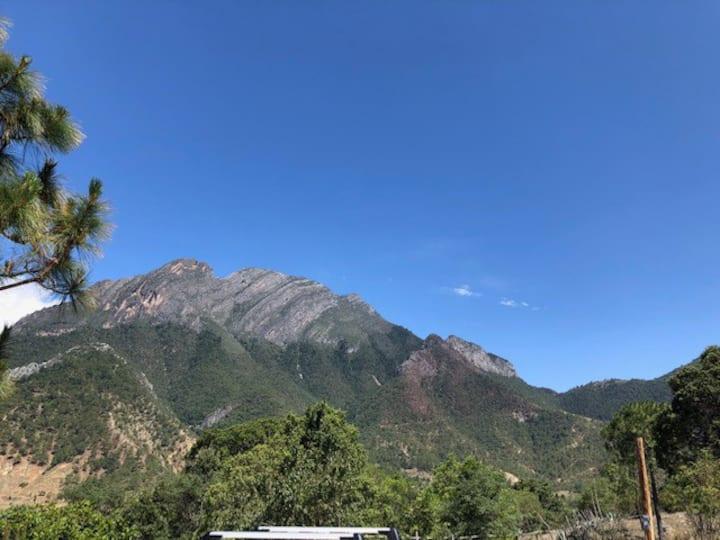 Cabaña en las Montañas / Cabin in the mountains