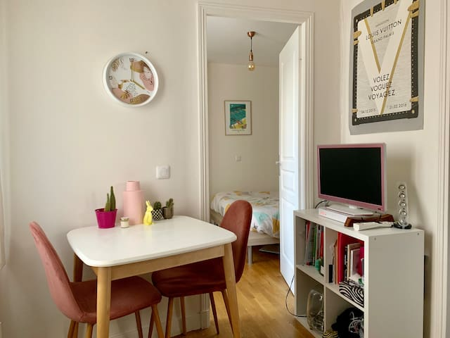 Cosy flat for 2 in a charming area of Paris