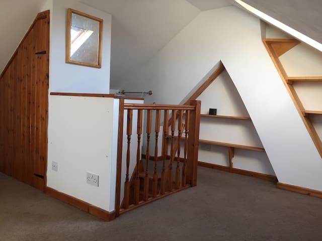 Airy Double Room Close to Town - Private Parking