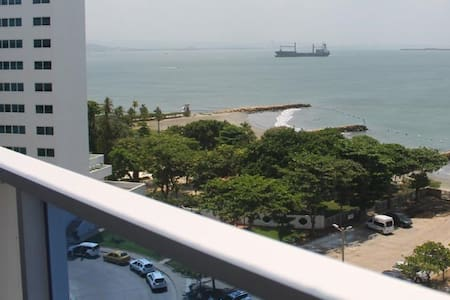 Seaview Modern  Apartment in Tourist Zone