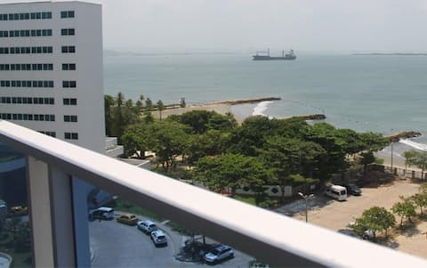 Seaview Modern  Apartment in Tourist Zone