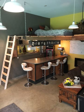Cozy Art Studio Loft, Bar, FirePit, .5 to beach - Gearhart - Other