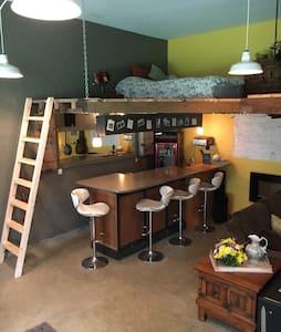 Cozy Art Studio Loft, Bar, FirePit, .5 to beach - Gearhart - Jiné