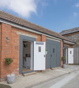 The Wood Shed, private studio room - Sherborne  - Bed & Breakfast