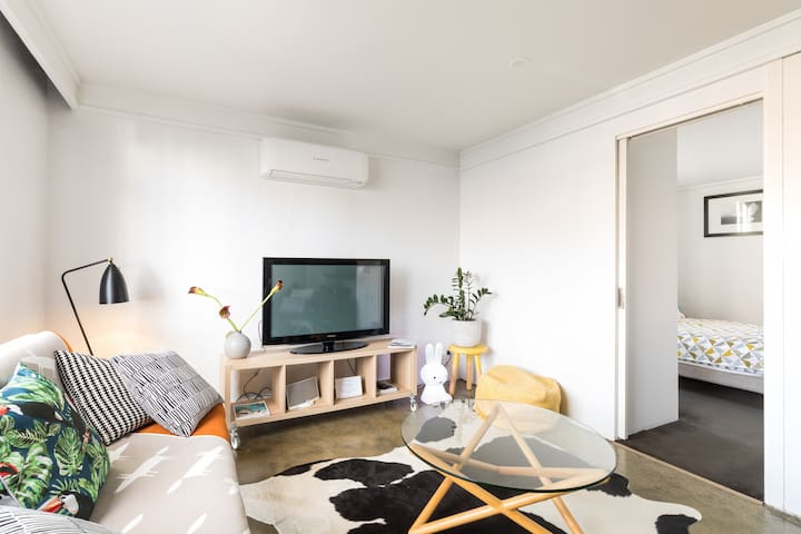 Fancy stays @ aphrasia St Close to CBD Geelong
