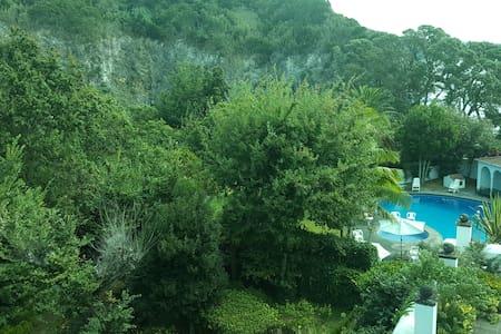 Quarto Privado Casa Grande, Caloura - Lagoa - Villa