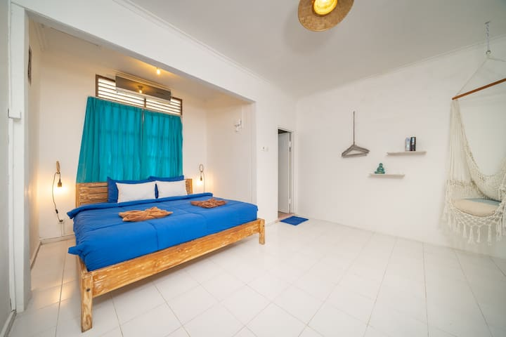 Coliving RivieraHome: Private room + bathroom + AC
