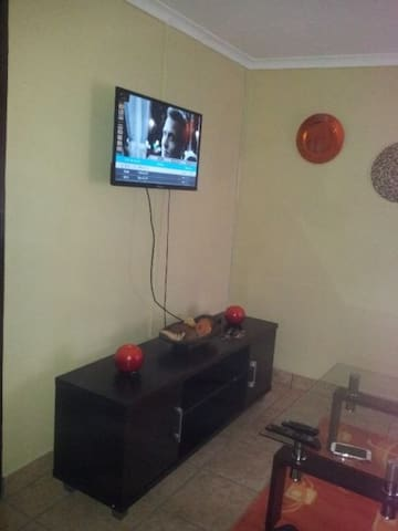 A lovely furnished Flat with DsTV - Sasolburg - Apartamento