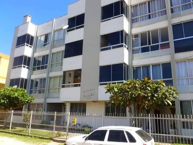 Apartamento Mar Grosso - 600m da praia