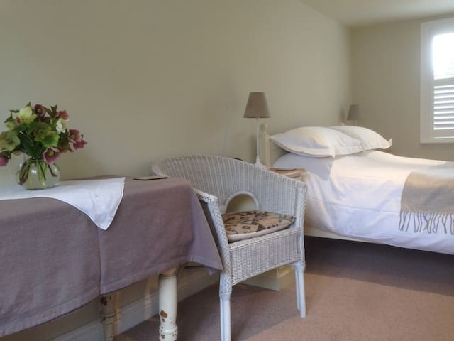 B&B in the Annexe at Brewers Cottage, Somerset - Isle Brewers - Bed & Breakfast