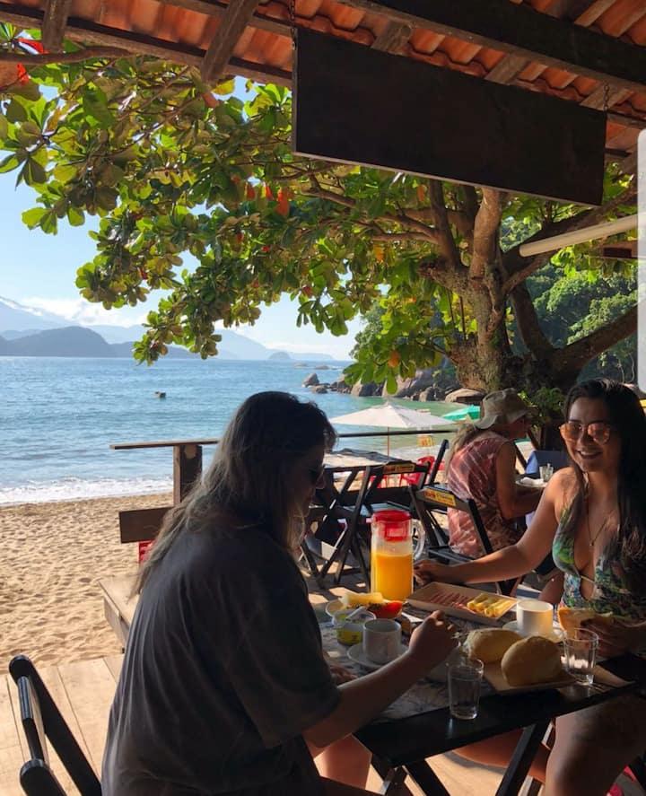 Jambeiro na praia Trindade