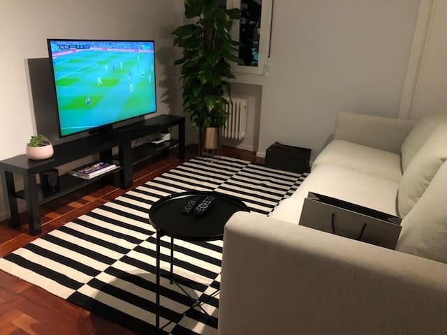Habitación con su baño en espectacular piso!