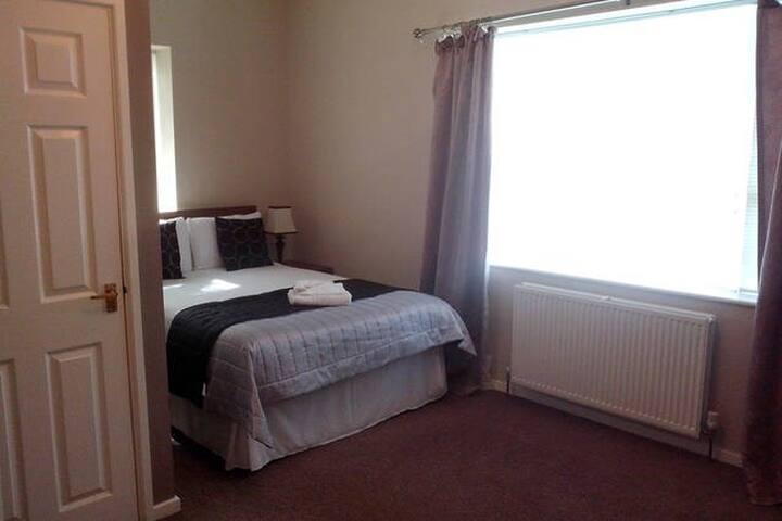 1 en-suite bedroom - Tyne and Wear