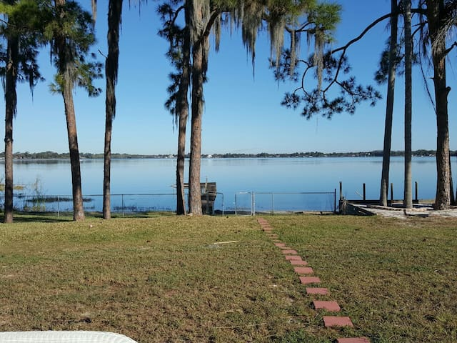 A Gem on Lake Sebring - Sebring - Apartment