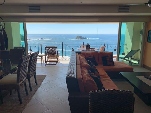 Luxury 2 bed oceanfront condo in Ixtapa, Mexico