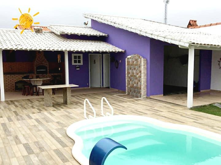 Casa Inteira c/ 3 quartos piscina ao lado da praia