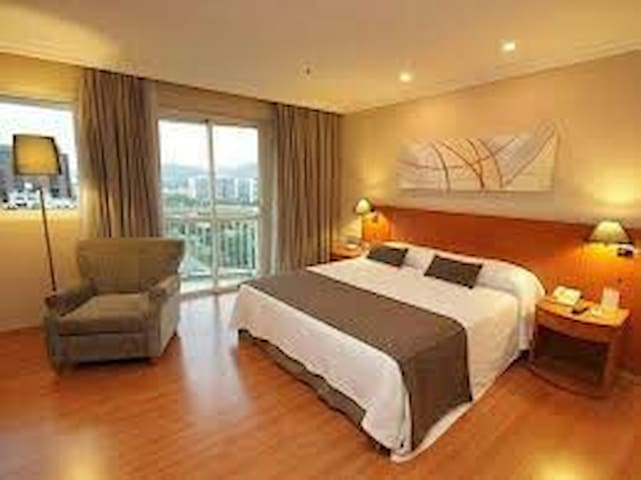 Suíte ampla / Serviço de Apart Hotel