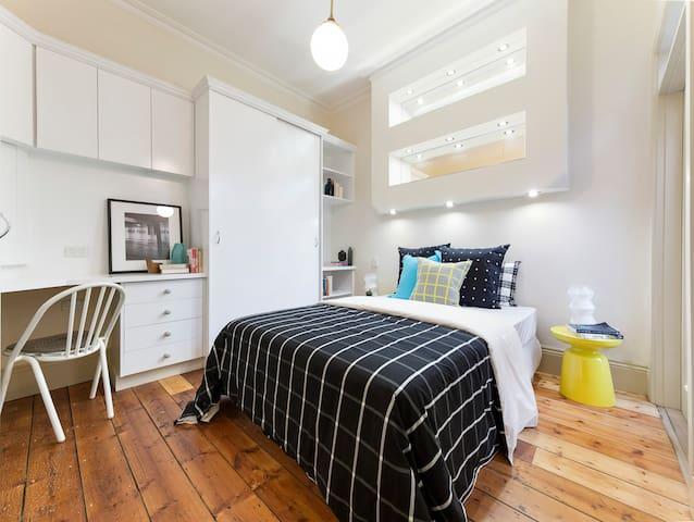 Jika Cottage Carlton Experience - inner city - Carlton - Hus