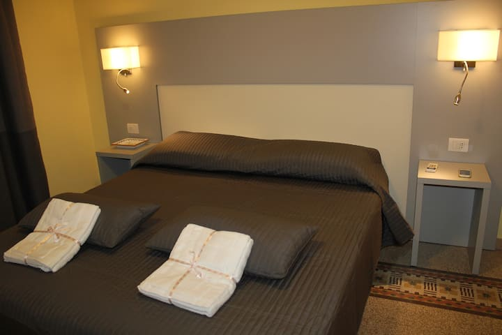 Family Home Holiday(4 people/2 rooms withTV Wifi )