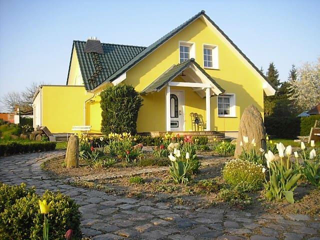 großes Einfamilienhaus, Urlaubshaus-Uckermark