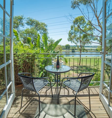 River View Townhouse at Footscray Park