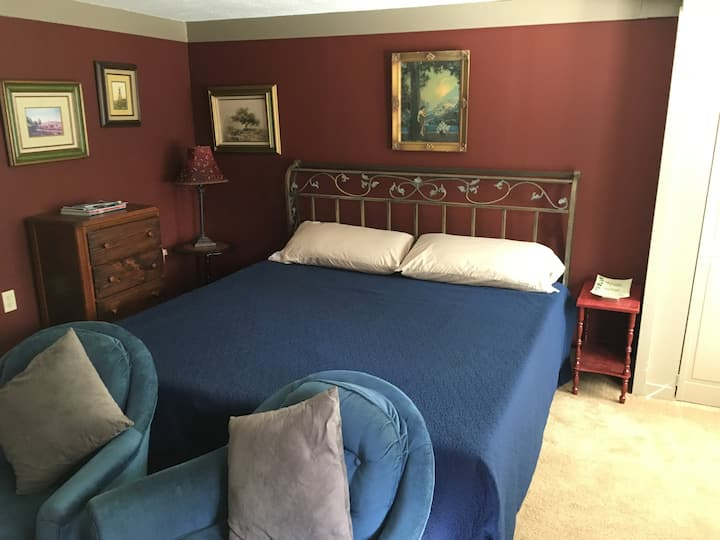 Vaughan House Guest Room