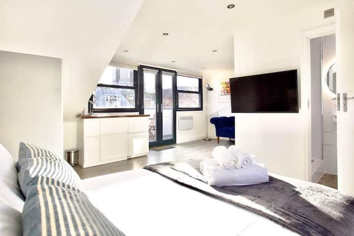 Bright & Airy Soho Loft Apartment w/ Terrace