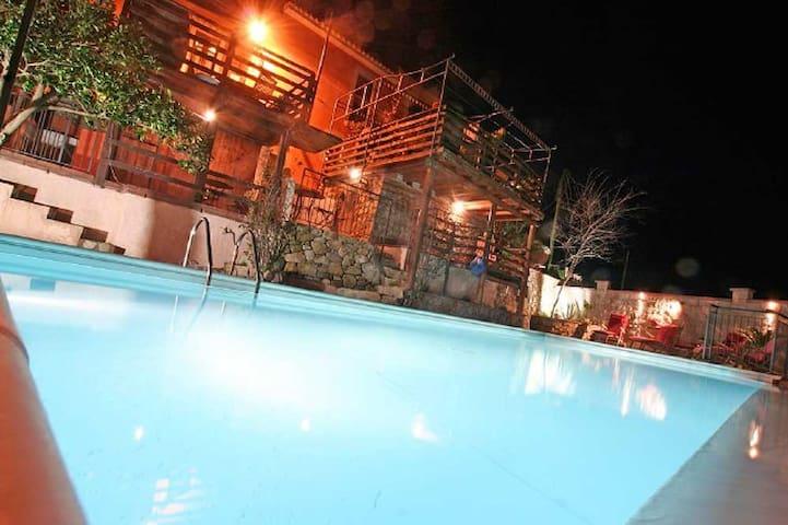 Castello Rosso No. II - mit Pool + Sauna + Garten - Rodì - Leilighet