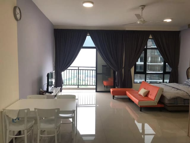 New & Cosy 5 Star Facilities in the Heart of JB