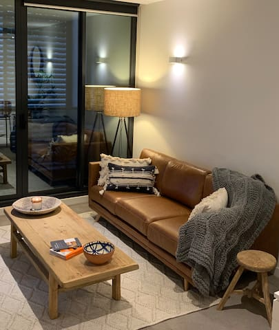 Boutique contemporary one bedroom apartment
