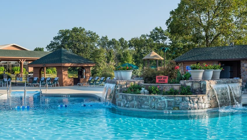 SPECIAL!!! Paridise Studio in Branson #Woods