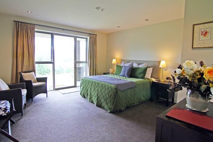 Amuri Estate Private King Room