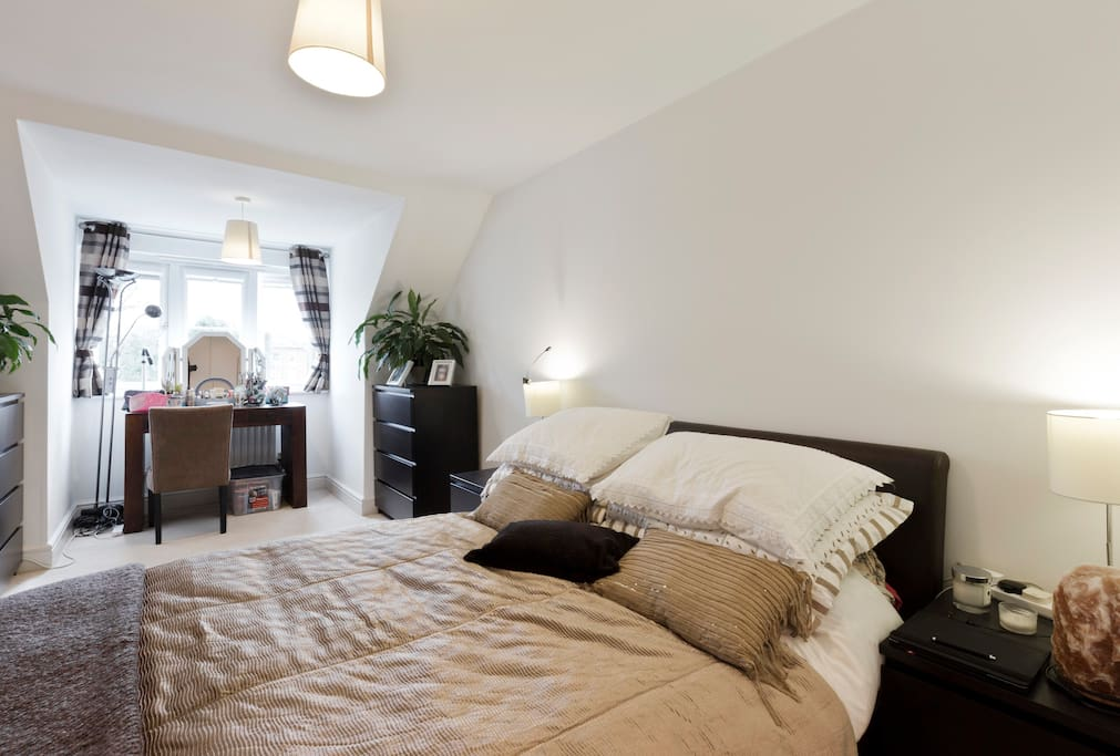 Bedroom 1: top floor, the largest bedroom; queen bed, built-in large wardrobe; can accommodate extra inflatable bed.