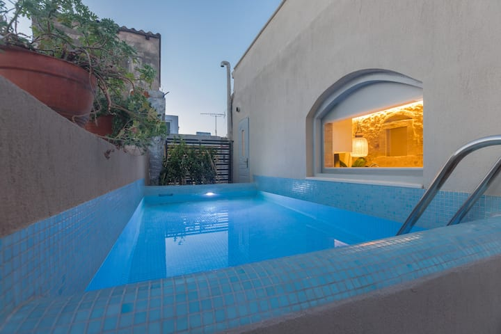 Old Town Villa with private pool - Villa Daphne