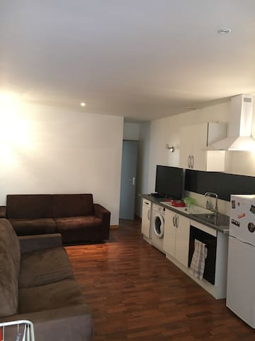 Appart de caractère rue piétonne - 布爾關雅利厄(Bourgoin-Jallieu) - 公寓