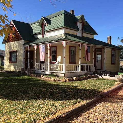 Bear Lake Victorian Farmhouse with upstairs loft