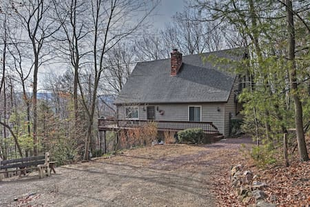 3BR + Loft Palmerton Home near Blue Mountain! - Palmerton - Haus