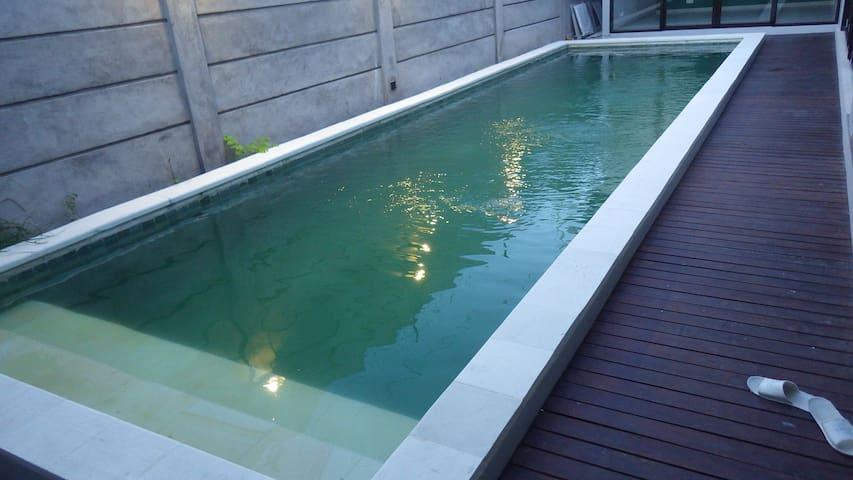 Pantai Indah Villa with pool