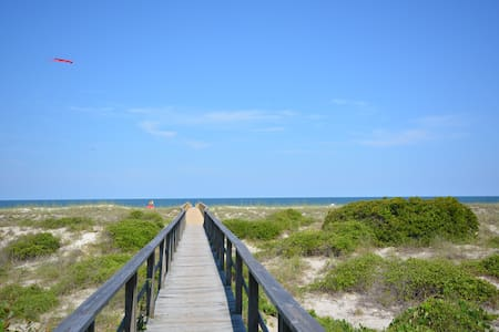 Oceanfront Townhome with Great Views - Fernandina Beach - Stadswoning