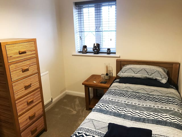 Well-appointed, comfy single in Cannock Chase