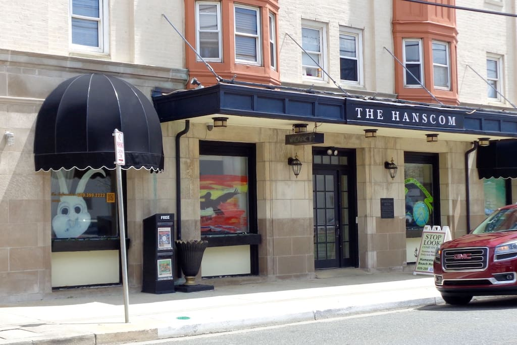 The Hanscom Building On 8th Street