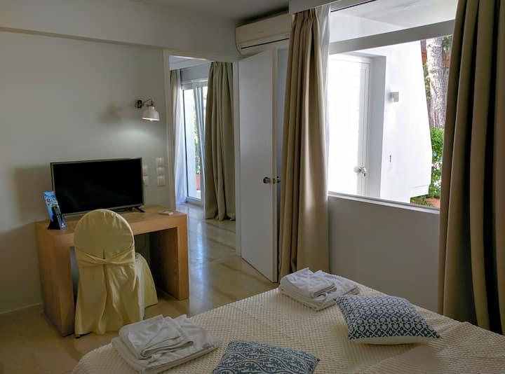 Apartment Suite / Garden Enclosed Mytilene